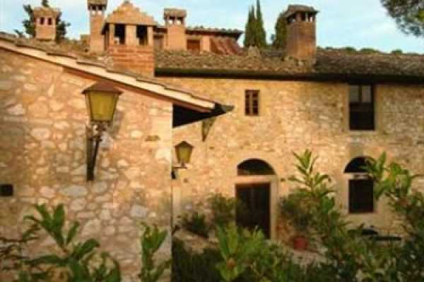 Book now your vacation in Sovicille in Tuscany in this wonderful exclusive residence with swimming pool in Sovicille in the province of Siena in Tusca