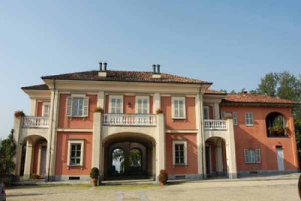 Book now your holiday in Castello di Annone in Piedmont in this fantastic exclusive residence in Castello di Annone asti, Piedmont, rent the holiday