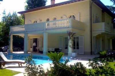 Book now your holiday in Forte dei Marmi in Tuscany, exclusive private residence with pool on the sea, luxurious villa in the most prestigious area Fo