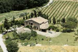 Exclusive farmhouse vacation rental in Cetona, Siena with private pool and an amazing view. Farmhouse with 5 bedrooms, 3 bathrooms up to sleeps