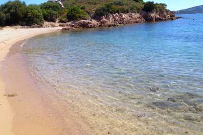 Seafront typical sardinian holiday house in Cannigione, Costa Smeralda north Sardinia with 2 bedrooms, 2 bathrooms up to 5 sleeps for rents