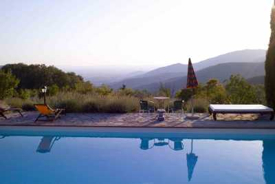 Book now your holiday in Castiglion Fiorentino in Tuscany in this beautiful private farmhouse with pool in Castiglion Fiorentino in the province of Ar