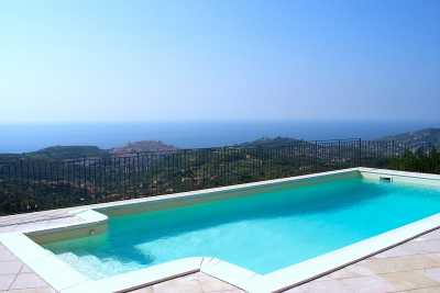Book now your holiday in Imperia in Liguria in this beautiful private Villa on the sea located in Imperia in Liguria in the Province of Imperia for re