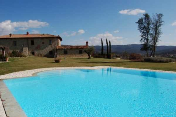 Book now your vacation in Bucine in Tuscany in this beautiful exclusive private residence with pool in Bucine in the province of Arezzo, Tuscany