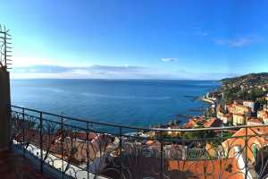 Book now your holiday in Imperia in Liguria in this wonderful private exclusive residence on the sea located in Imperia in Liguria for rent