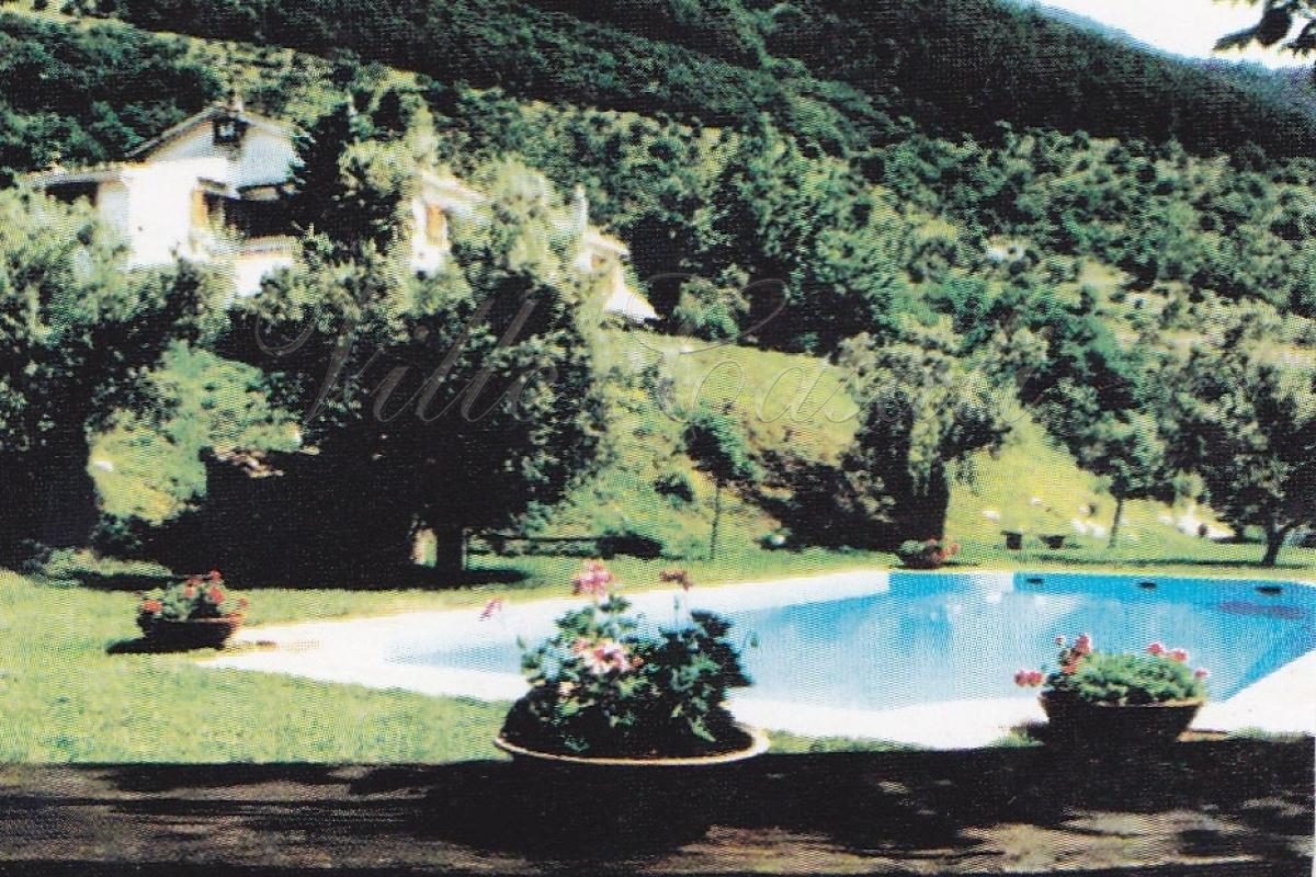 Affitta Villa San Lorenzello Benevento Villa Con Piscina