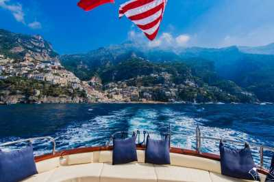 Boats for rent, villa transfers, excursions with yacht