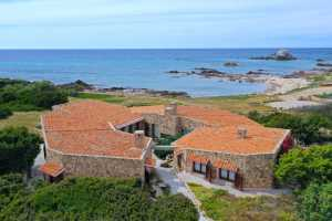 rental villa with private access to the beach near Santa Teresa di Gallura in northern Sardinia with 4 sea view rooms in Santa Teresa for rent