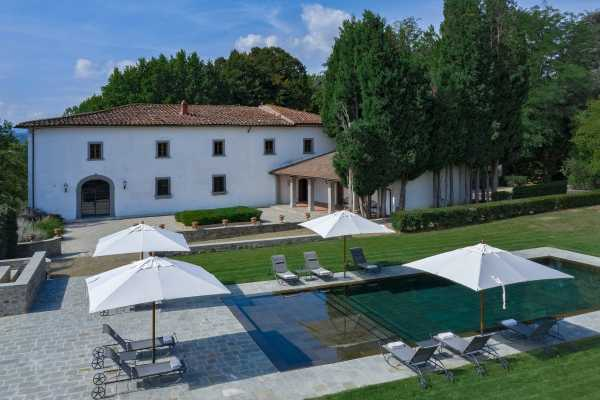 rent your villa in Reggello- villa with swimming pool for rent in Reggello in Tuscany with splendid countryside view, villa wonder for holidays