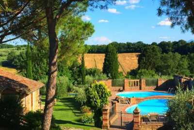 Vacation rental farmhouse with private pool near Arezzo, Siena. Florence, Pozzo della china farmhouse in the province of Arezzo